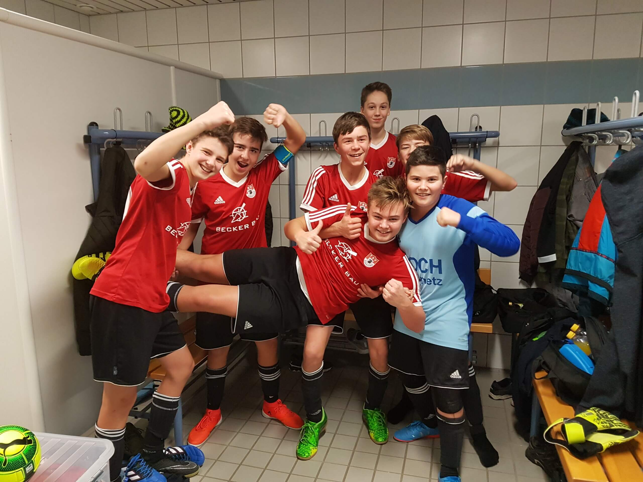 Zweifacher Triumph beim Skoda Hallen Cup